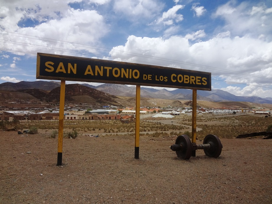 Tren a las nubes sem trem? San Antônio de los Cobres by tour