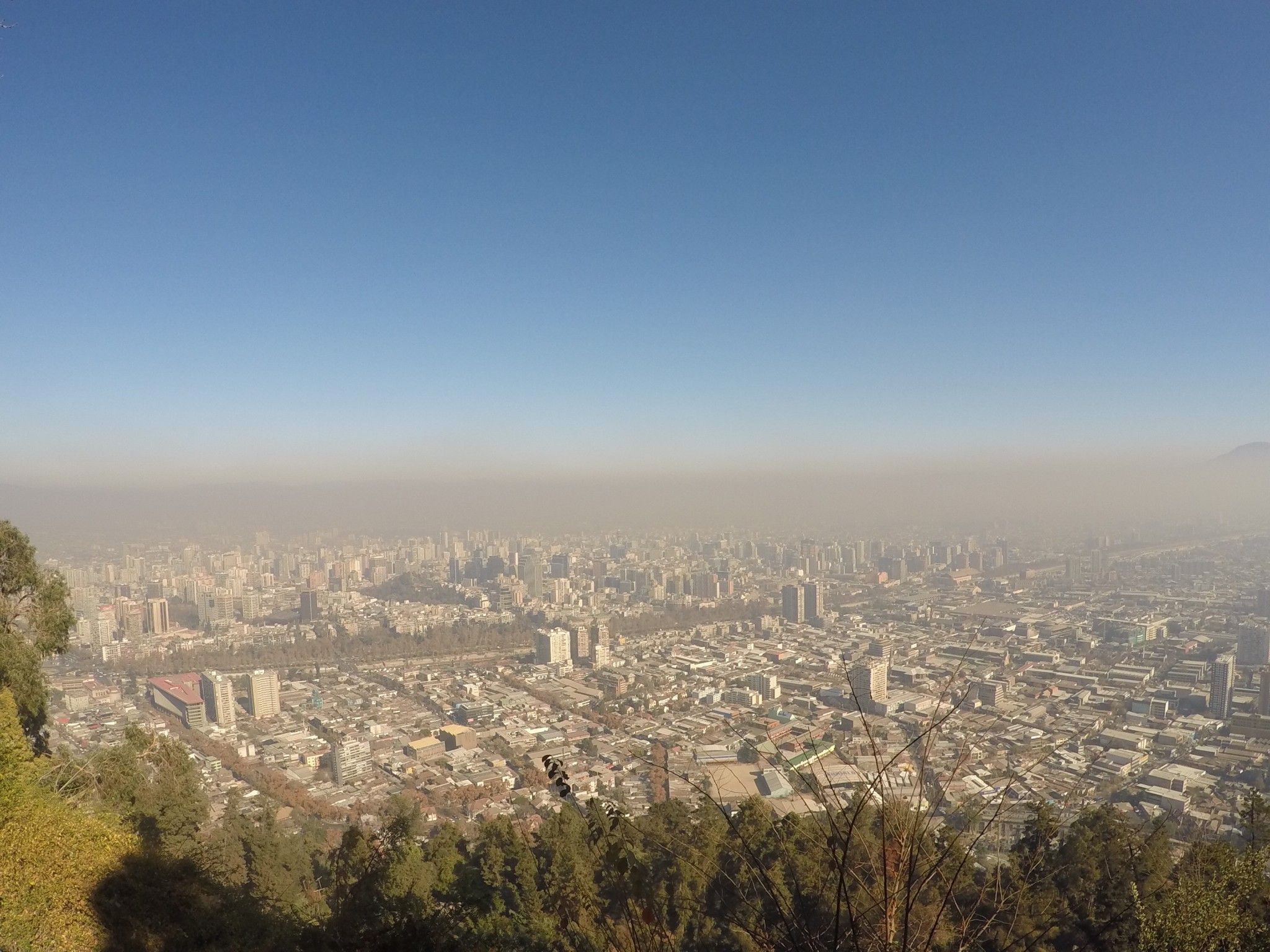 A vista da Santiago poluída