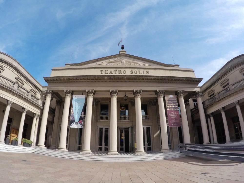 Como é a visita ao Teatro Solis em Montevidéu?