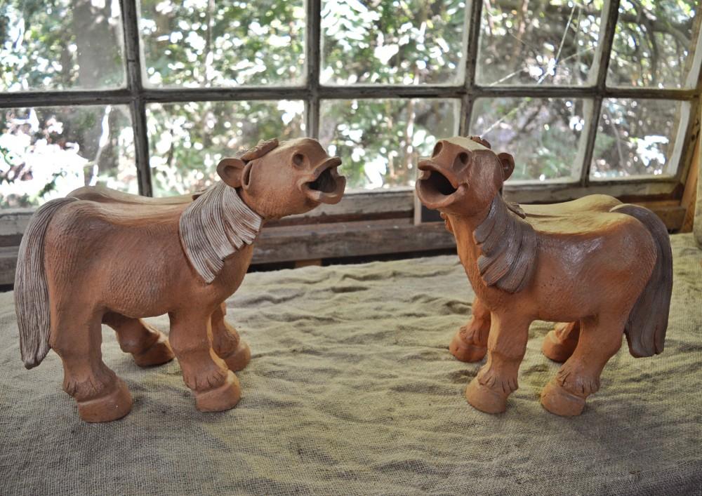 As peças clássicas: Os cavalos em greda - Museu Alexandro Lavín - Vilches Alto