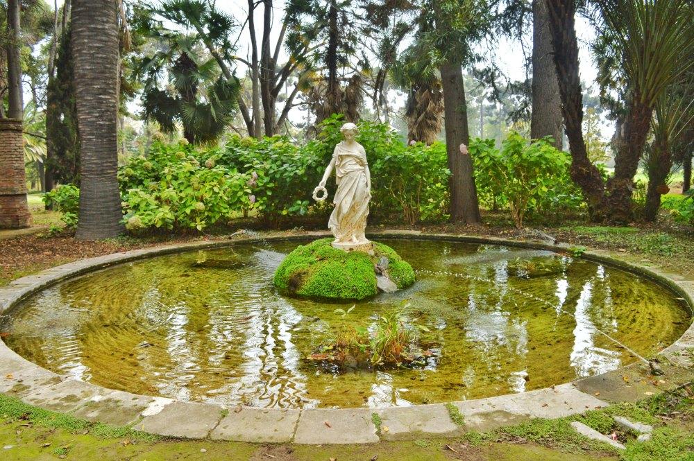 O parque maravilhosamente lindo que pertence à Vinícola Santa Rita