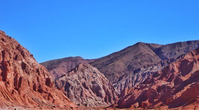 Valle del Arco Iris: tranquilidade no Atacama