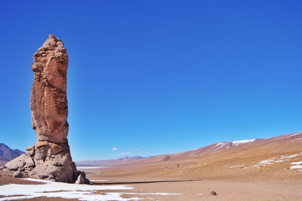 Até que parece, vai... tem uma carinha de moai! Mas é gigaaaaaaante, três vezes maior que um moai de verdade!