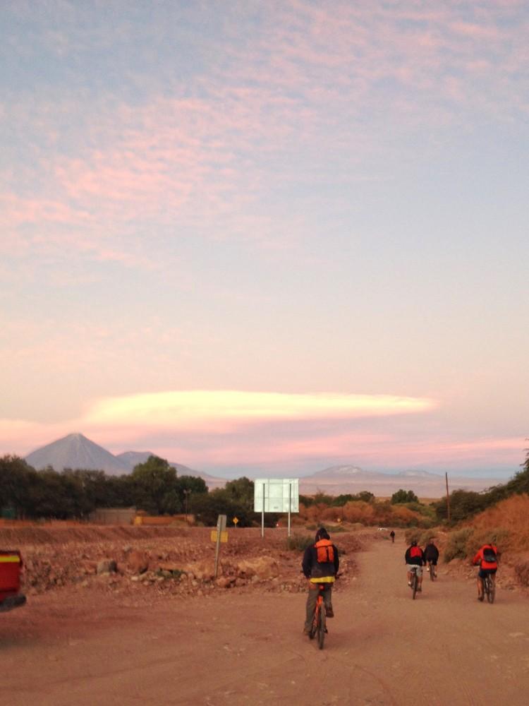 Andando por aí de bicicleta no Atacama