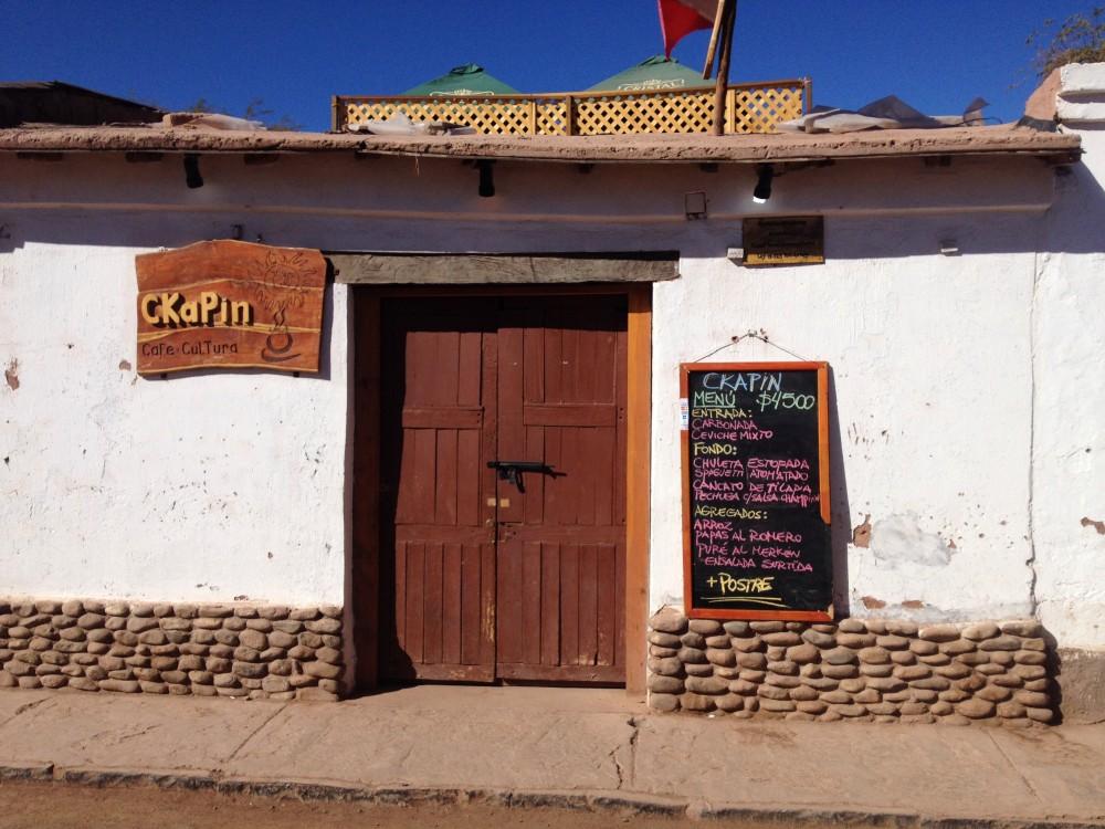 Esse é um restaurante que eu gosto muito no Atacama, fica na Calle Tocopilla, entre Gustavo Le Paige e Caracoles