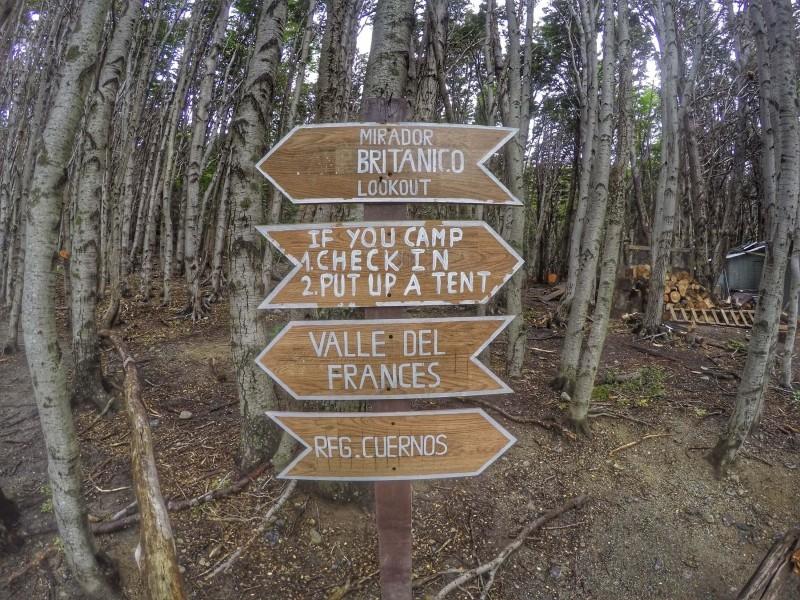 Acampar no Italiano é estar no meio do bosque. O bom é que é protegido do vento e da chuva!